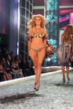 th_97917_Victoria_Secret_Celebrity_City_2007_FS413_123_1123lo.jpg