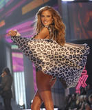 th_07229_fashiongallery_VSShow08_Show-139_122_1142lo.jpg