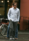 New pics - Jake Gyllenhaal w/dad in the West Village 4/15