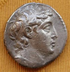 Tetradracma de Demetrio II. Tiro Th_870040554_6_122_233lo