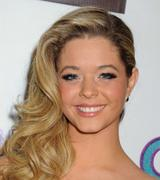 Sasha Pieterse- G.B.F. Premiere in Hollywood 11/19/13 (HQ) +VID