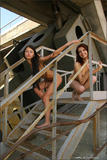Maria & Nata in The Zonen4k1kqb05a.jpg
