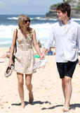 Тайлор Свифт, фото 12226. Taylor Swift Bondi Beach after breakfast at Bill Darlinghurst in Sydney - 08.03.2012, foto 12226