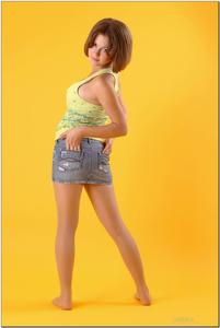 http://img37.imagevenue.com/loc574/th_727887774_tduid300163_sandrinya_model_denimmini_teenmodeling_tv_026_122_574lo.jpg