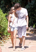 Сара Хайланд, фото 51. Sarah Hyland Out in Maui, 8 March 2010, foto 51